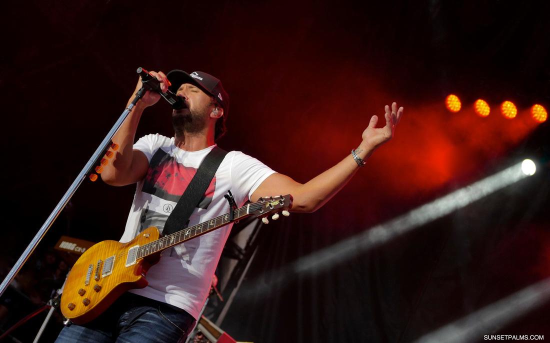 Luke Bryan - Country Thunder